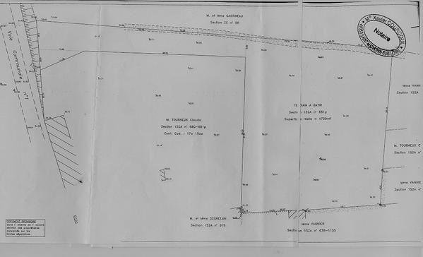 <p>Article du 20 octobre 2007 - Le Courrier de l'Ouest</p><p>(dans le cadre du salon de la maison en bois &agrave&#x3B; Angers)</p><p>Plans succints de notre future habitation...ils ont l&eacute&#x3B;g&egrave&#x3B;rement &eacute&#x3B;volu&eacute&#x3B; depuis leur conception il y a 10 mois.</p>
