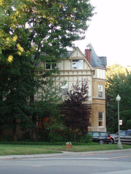 """Escapade à travers une """"autre ville"""" tout en restant dans Montréal, août 2007"""