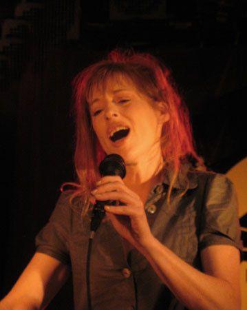 Concert de Natale sur la péniche: La dame de Canton. juillet 2008.