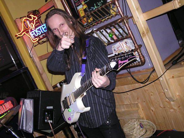 Ta&iuml&#x3B; Phong en concert, le 6 avril 2007 &agrave&#x3B; l'Australian bar.
