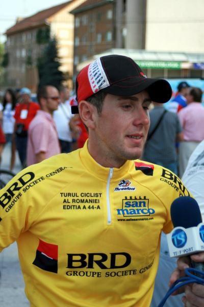 Ipostaze cu ciclistii de la Dinamo Secrom Bucuresti in timpul editiei din 2007. S-a obtinut victoria atat la Individual (Dan Anghelache), cat si pe echipe.
