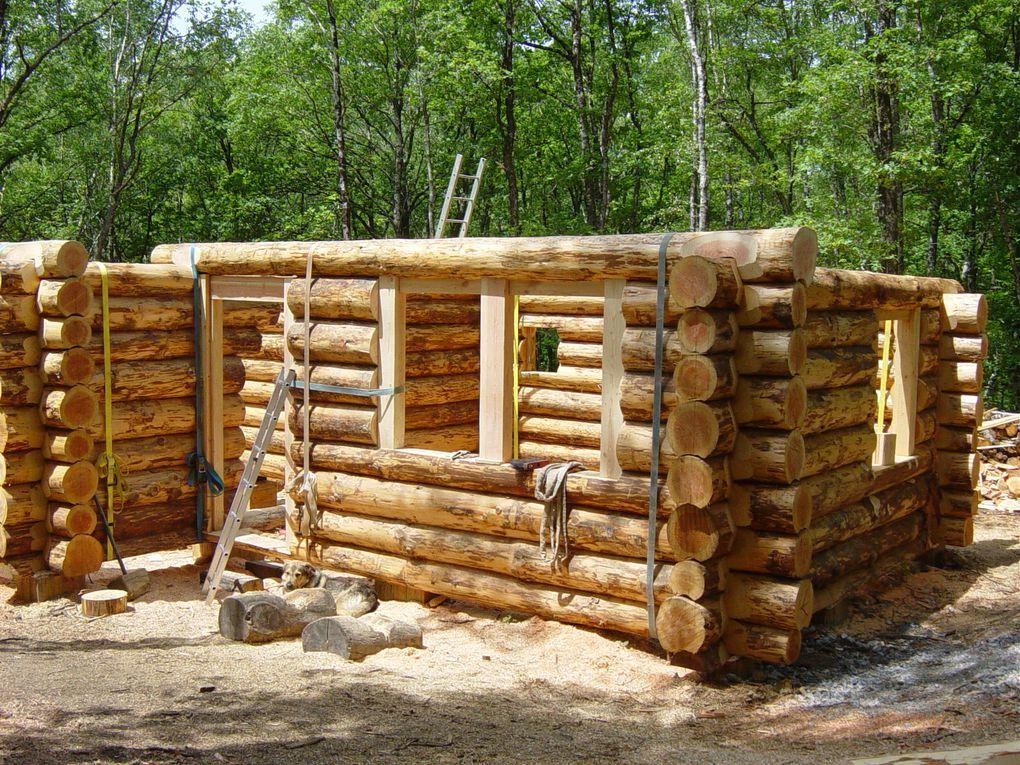 Un coupe de main de deux mois pour le projet de Fred et Lyli à Camps : fustes et cabanes perchées.