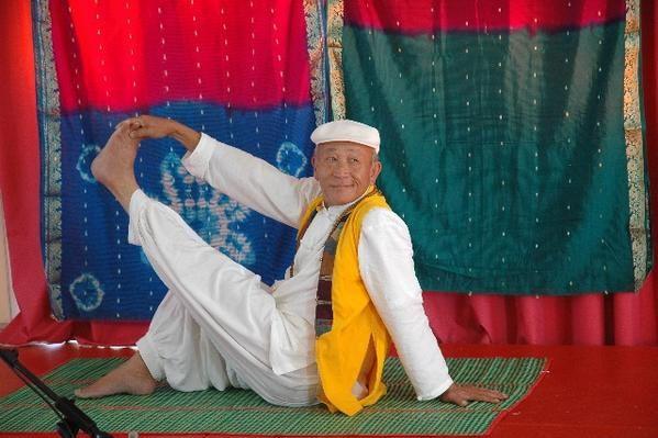 quelques photos du stage en Yoga avec Xuyen, les 29 et 30 sept 2007 &agrave&#x3B;St Maurice de Cazevieille