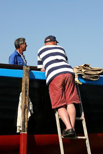 Après deux mois de cure de rajeunissement  a terre, Crialeis retrouve l'eau au Guip
