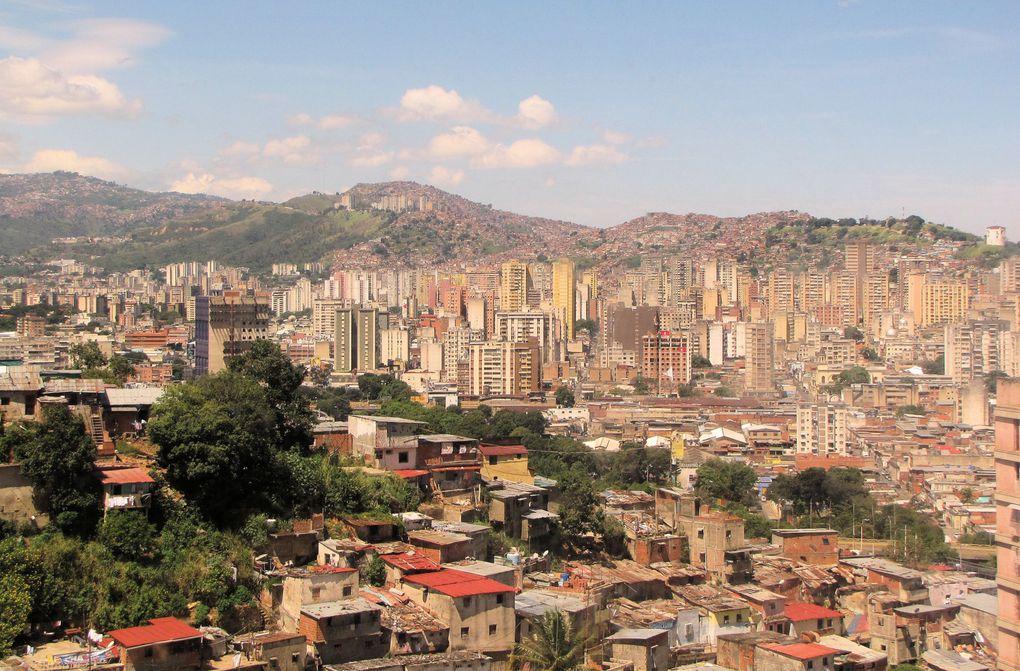 Reportage du 27 septembre au 8 octobre 2012- La campagne électorale présidentielle du Delta de l'Orénoque, chez les Warao, les pêcheurs de la presqu'île de Parai, les communautés andines, le jour du vote à Caracas