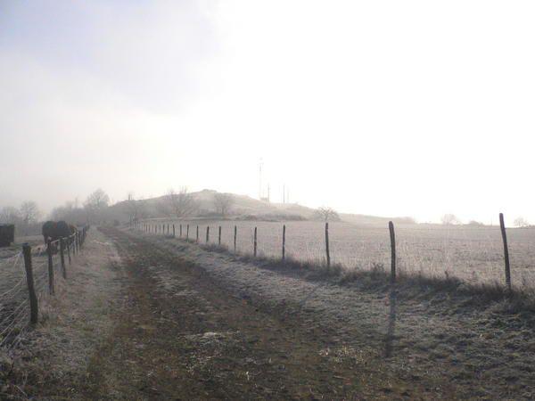 Par une aube glaciale d'hiver sur le Puy Saint-Romain en partant de Busséole