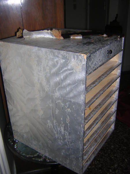 bobines de fil anciennes et boîte à fil ancienne