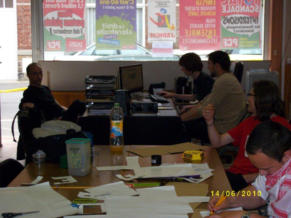 Journée du 14/06/10 : Impression de l'Offensive, Rappel, réunion, préparation de banderoles et  de pancartes révolutionnaires, le tout dans une ambiance militante et fraternelle.