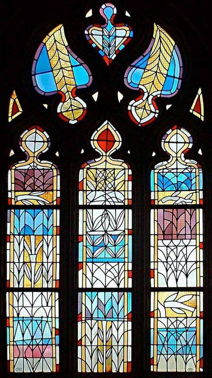 Vitraux réalisés par l'atelier le bihan vitraux et des artistes