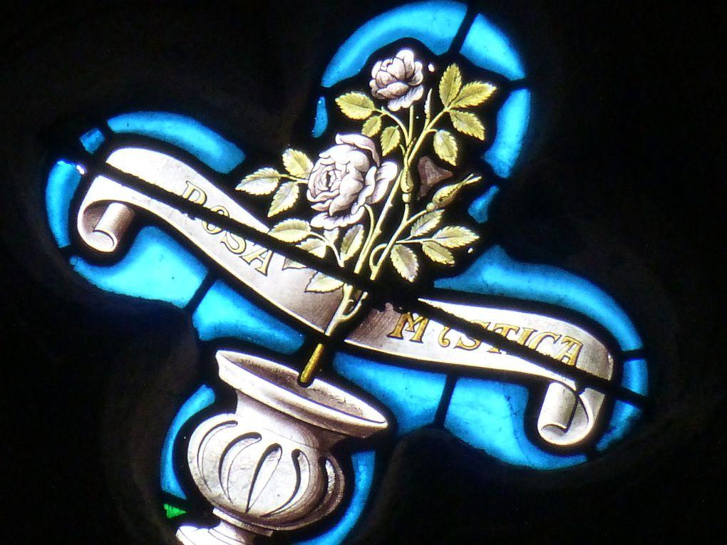 Tous les éléments de la rosace de l'église des Carmes à Pont-l'Abbé (sauf un !). Reportage photos rélaisé par Penhars Infos le 11 août 2014.