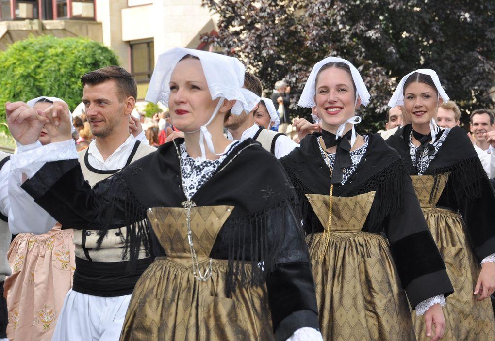 Défilé du festival Le Cornouaille, dimanche 28 juillet 2013.