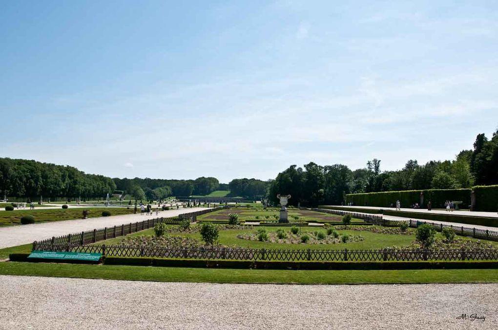 192 clichés pour présenter le parc, les Jardins, l'intérieur du château, les grottes, le grand canal, les statues, ... , grand tour d'horizon en ce 27 mai 2012, jour de Pentecôte.Toutefois, la coupole était en réfection avec bâches et échaf