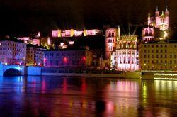 Quelques photos de l'évènement Lyonnais qui a lieu chaque année le 08 décembre et attire des centaines de milliers de visiteurs qui viennent découvrir la ville au travers de spectacles originaux dans l'ensemble des quartiers.