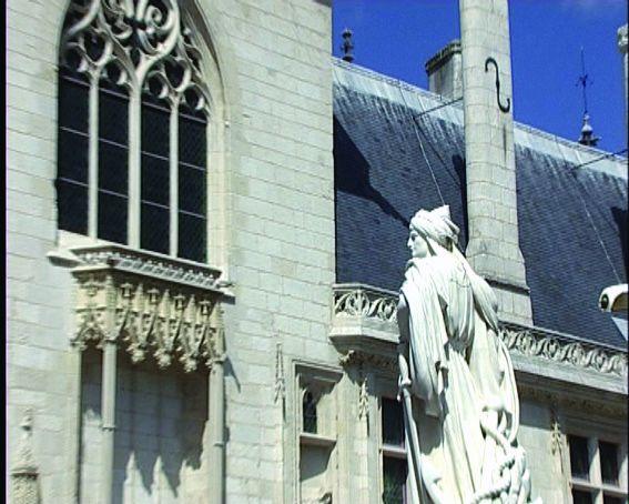 De la cathédrale de Bourges à l'hôtel de Montpellier