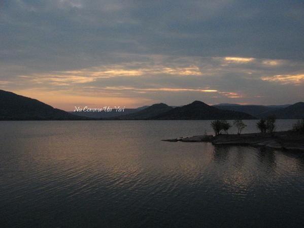 On connait bien le camping naturiste du Salagou mais pas son très beau Crépuscule, à moi de vous le faire découvrir. &#x3B;)
