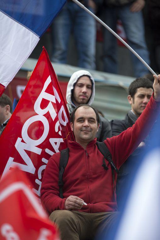 Le 18 mars, la Nation a pris la Bastille.
