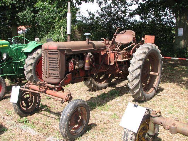 expo sec-bois les 16 et 17 juillet 2011les tracteurs rouges