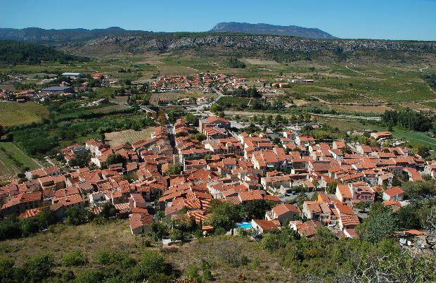 Je vous invite à visiter ma si belle région , entre le Roussillon et l'Aude du Canigou aux Fenouillèdes . A bientôt peut-être .