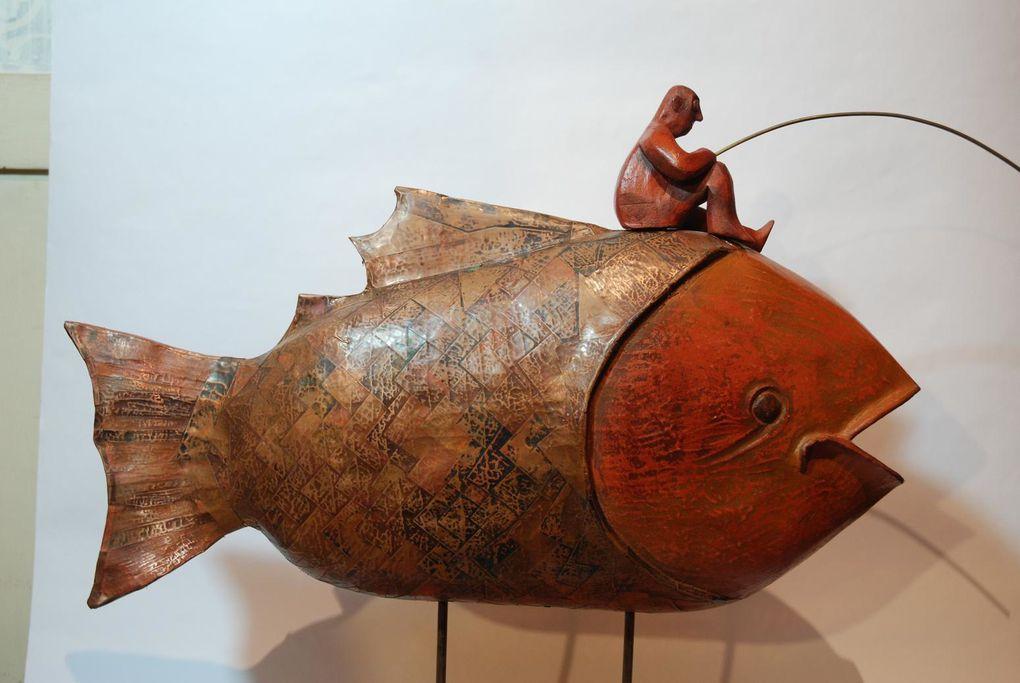 """Obras del escultor Pablo Villegas parte de la exposición """"Cruzando el bosque"""". Pablo Villegas es tambien parte de la exposición permanente en la galeria de arte de Valparaíso Bahía Utópica con nuevas esculturas."""