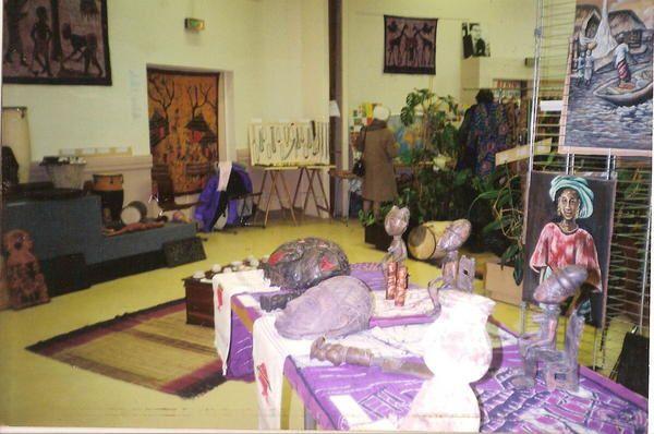 Agnès princesse d'Abomey  composait labas exposait ici , avec , d'autres artistes béninois c'était les années 90