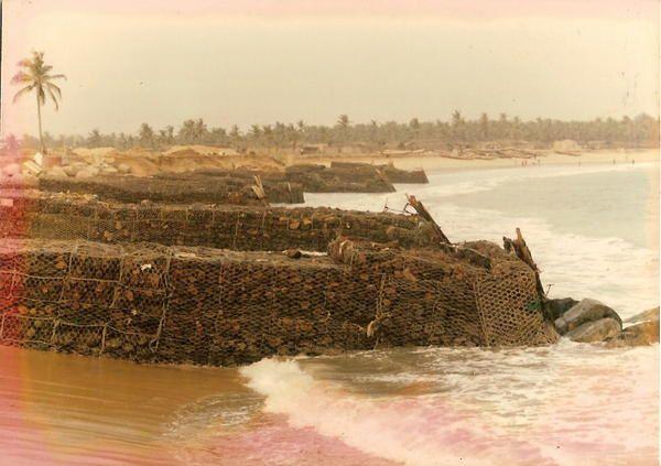 certain travail d'autre se distrait d'autres luttent contre l'érosion que le gulf stream  inlassablement  ronge depuis que les hommes sont intervenue sur sa circulation .