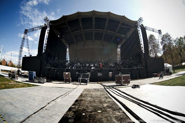 MONTAGE/ 2011