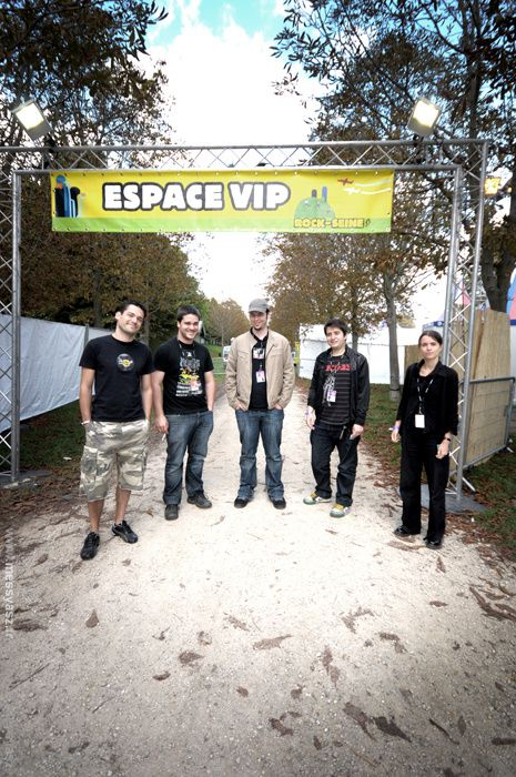 28.08.10 : Camping, Jello Biafra, K'Naan, Stereophonics, Jonsi, Queens of the Stone Age, Massive Attack...