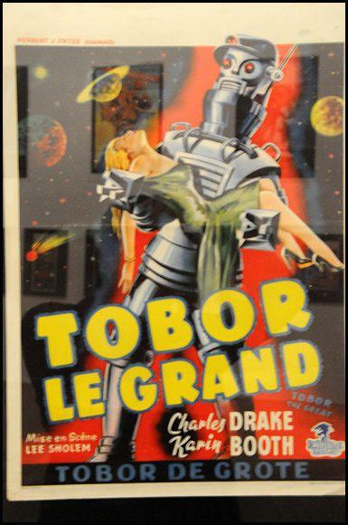 Tous les ans, au Festival international du film d'Amiens, une sélection de vieilles affiches de film de série B est présentée... Morceaux choisis !