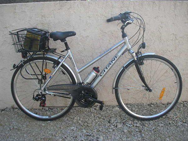 les vélos qui nous appartiennent personnellement et ceux de l'association que nous mettons à disposition pour les promenades