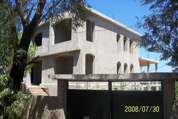 nous construisons une maison en Tunisie.et oui!!! mon mari est tunisien, et nous n'aspirons qu'à partir la-bas