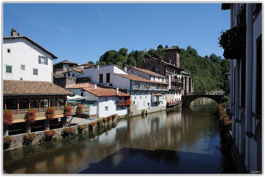 Ete 2010 - Réunies dans un album, mes plus belles images de Biarritz et des villages du Pays Basque.Un clic sur la loupe au-dessus de chaque photo vous permet l'affichage plein écran.