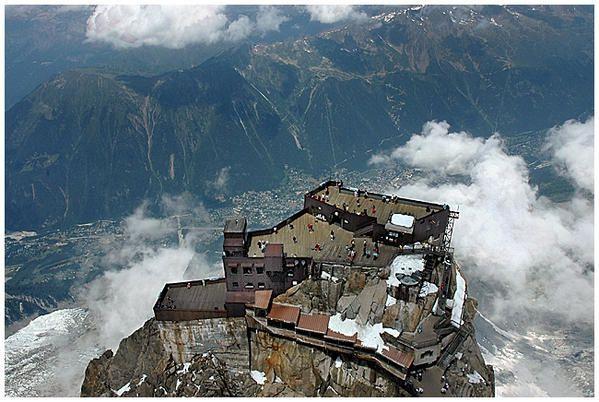 Découverte de la haute montagne (France 2007)Chamonix, je m'y suis arrêtée pour le plaisir simple de quelques jours au grand air dans un environnement majestueux.(Cliquez pour agrandir)