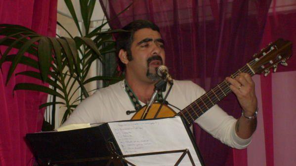 Quelle soirée! Merci a tous, Carlos et Laura qui ont animé la soirée et a Roldan de Orishas qui nous a fait la surprise de venir chanter. Et surtout a vous  public très nombreux et Chaleureux !