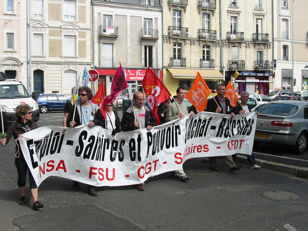 Manifestation du 1er Mai 2010 à Angers.2000 manifestatnts dont 800 por la CGT.