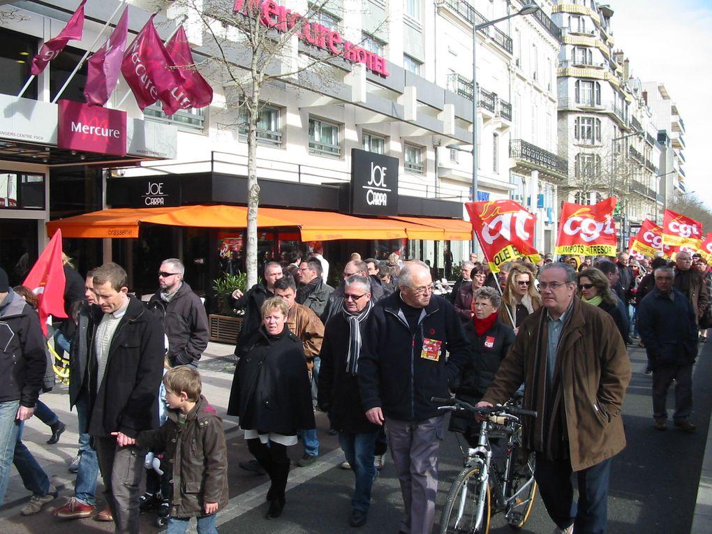 Manifestation Cgt-Fo-Sud-solidaire-Unef 49 contre l'ANI validé par les syndicats de salariés minoritaires Cfdt-Cftc-Cgc et le syndicat patronal Medef.