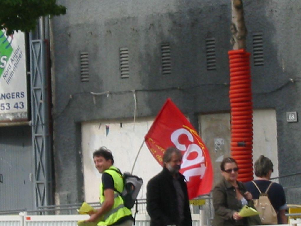 Manifestation interprofessionnelle pour le travail décent le 7 ocotbre 2009 à Angers.
