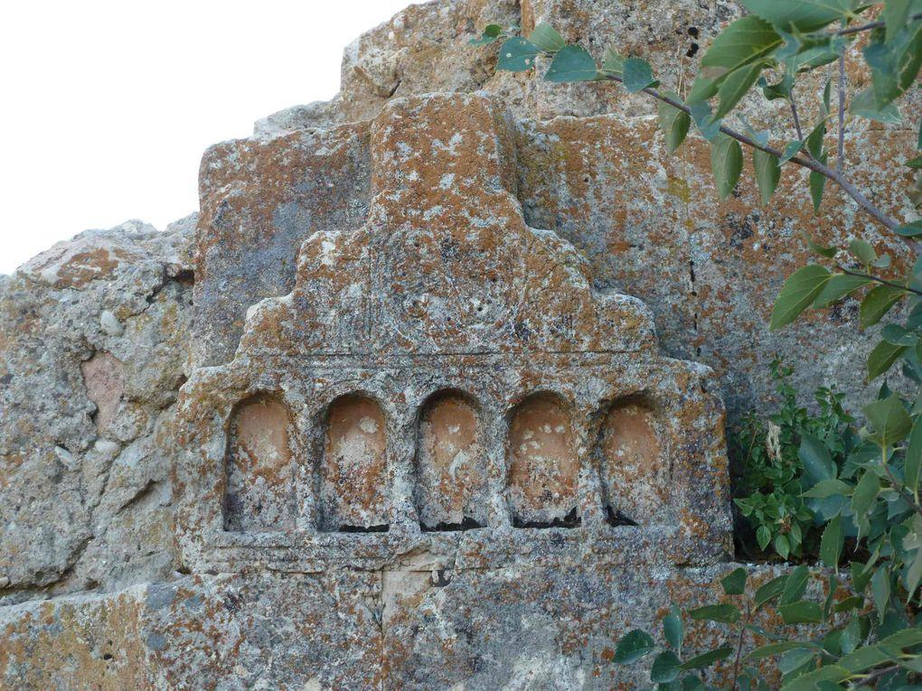 Eglise Saint Haroutioun (Résurrection) située en lisière du village d'Ergen (Ergan ou Yergayin), à une dizaine de km de Hozat (Dersim). Visitée en août 2013 sous la conduite de Musa Çimen
