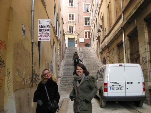 """P'tit week-end à Lyon, entre filles ! Du 27 février au 2 mars 2009.Pour visionner les photos : cliquer sur """"LANCER LE DIAPORAMA""""puis laisser dérouler ou bien faire un clique sur la photo pour passer à la suivante !BONNE VISITE DE LY"""