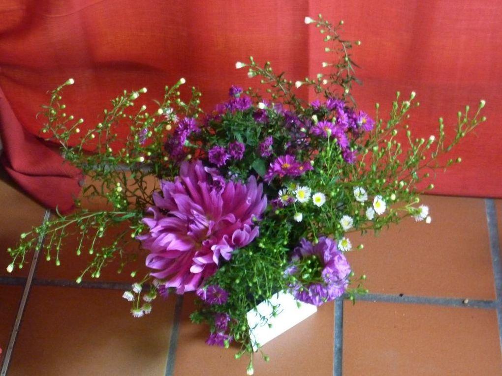 Réalisée par la Société Horticole de Bar le Duc, l'exposition de fleurs et de fruits d'automne a été l'occasion de montrer de jolis bouquets et de belles compositions mettant en vedette les fleurons des jardins barisiens.