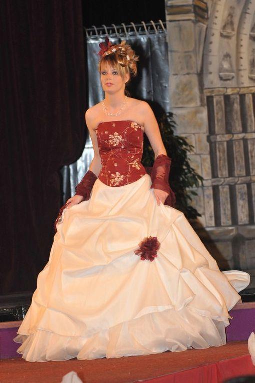 voici quelques photos du dernier défilé du Salon du Mariage de Montereau (77)toutes les robes se mariées sont des créations réalisées pour ce défilé