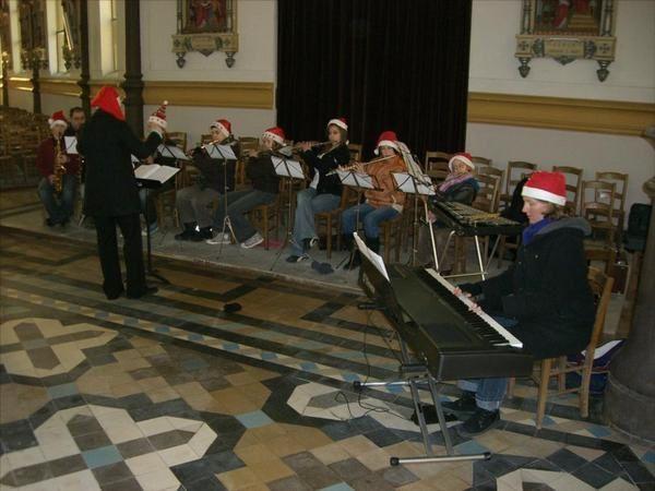 Des élèves de l'école de musique de Magenta ont participé aux crèches de Champagne...