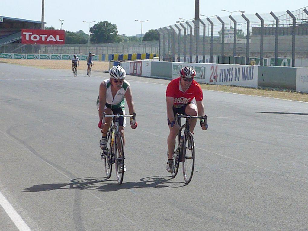 Les charlots sur la piste légendaire du circuit Bugattipour les 1er 24h du Mans vélo les 22et23 août 2009