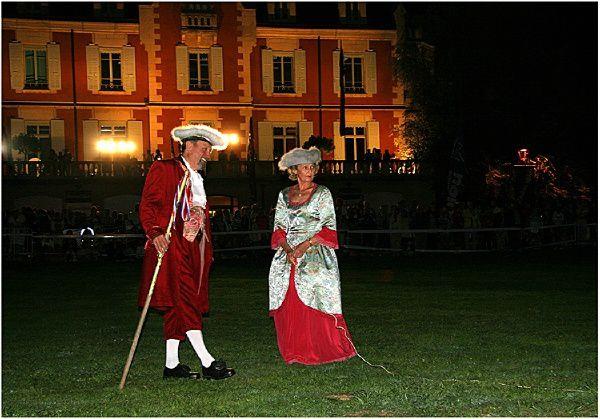 Reconstitution du premier vol de montgolfière en 1783 à Annonay en Ardèche par les frères Montgolfier. ( championnat de france 2006 )