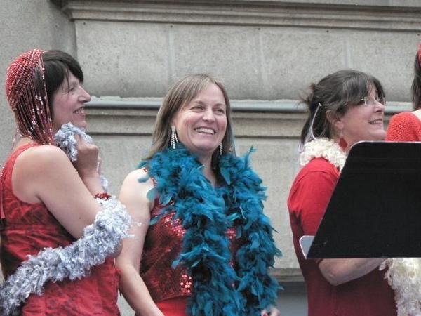 Dans la cour du Dix, Butte Ste Anne,les rencontres chorales 2008.