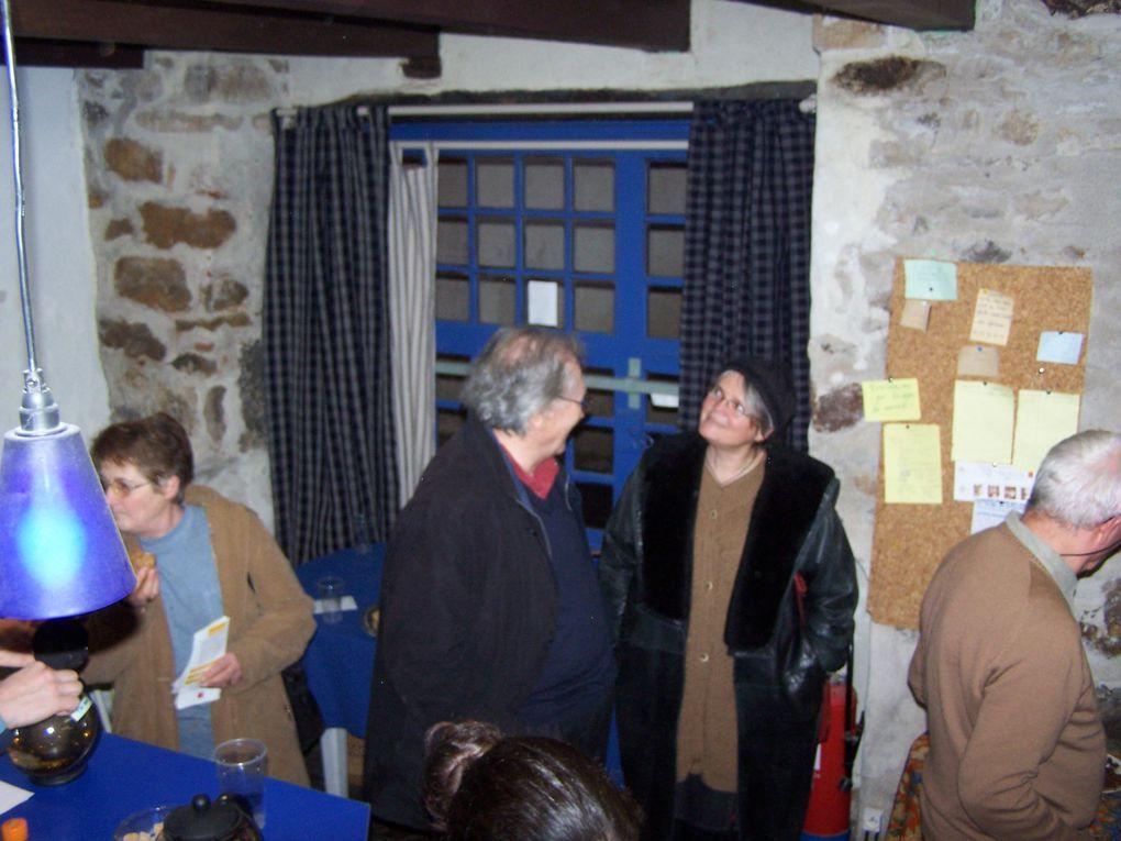 quelques photos des expositions dePascale Bas, Gaël Gittard et Nuno de Matos. Nous avons aussi accueilli Pierrette Chapoulard et Josianne Lacombe, mais n'avons pas de photos.