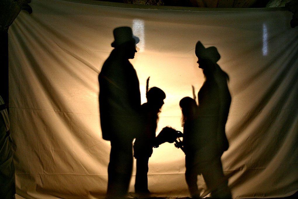 Le 15 mai 2010, c'est la Nuit des musées, dans le réseau des musées du Gers et à l'abbaye de FlaranAtelier portraits de famille … en ombres chinoises. Le public se verra proposer de poser en famille pour un portrait où chacun devra tenir