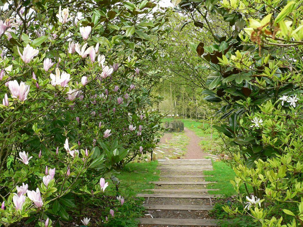 Promenade au deuxième jour du printemps dans les jardins de Valloire