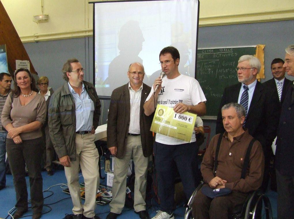 """A Saint-Jean-d'Angély, l'association """"Les AYLES"""" a organisé une journée Handisport, samedi 19 septembre 2009, où 1 500 personnes sont venues voir 25 disciplines"""