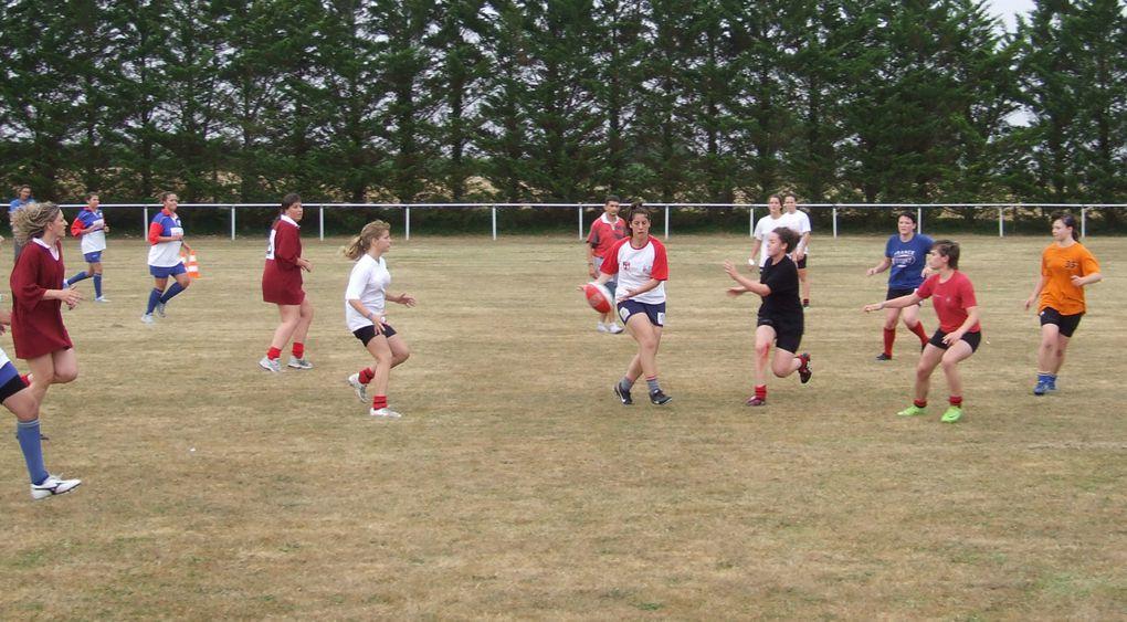 Invitées par l'association Magda Rugby & Co, les rugbywomen du Pôle Espoir de Rennes et celles du Club Ovalie Bocage 79 ont fait une exhibition de rugby féminin à La Vergne, le 12 juillet 2009.