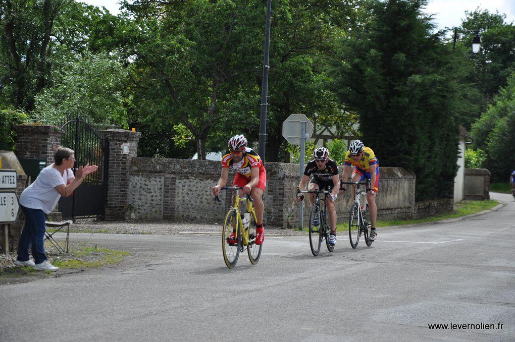 Course UFOLEP à Cintray le 7 juin 2014
